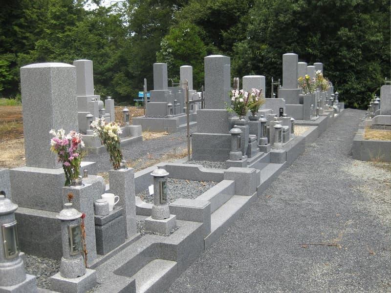 酬恩庵一休寺の墓地雰囲気