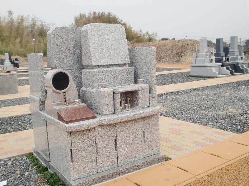 小牧メモリアルパークの墓石イメージ