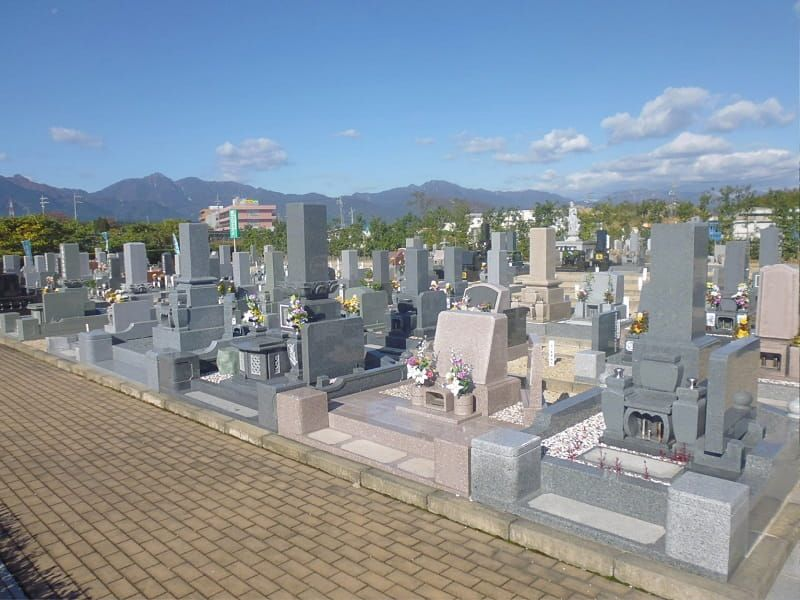 三滝川メモリアルパークの墓地雰囲気