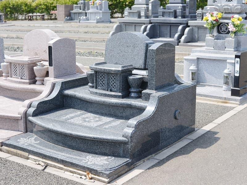 メモリアルパーク宮地岳の墓石洋型