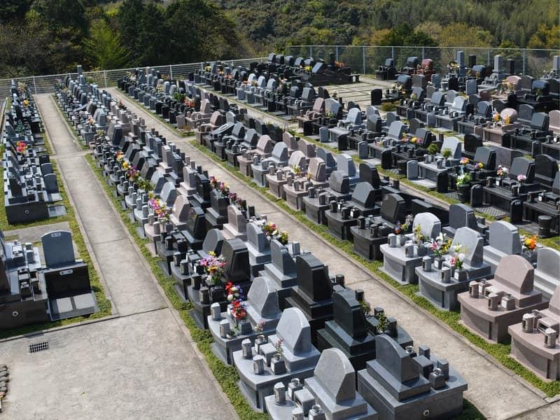 百合ヶ丘霊園の墓地雰囲気