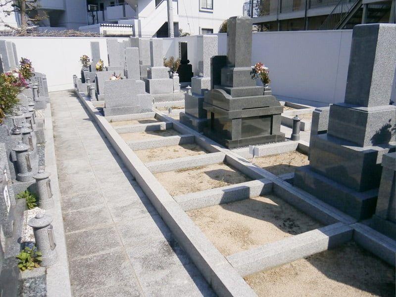 専稱寺墓所のお墓区画