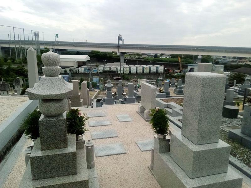 多治井墓地