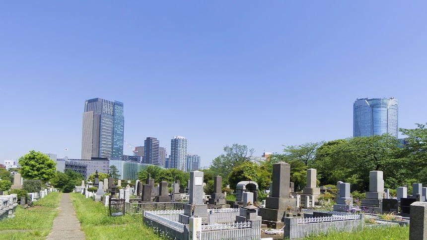 大都会の真ん中にある青山霊園