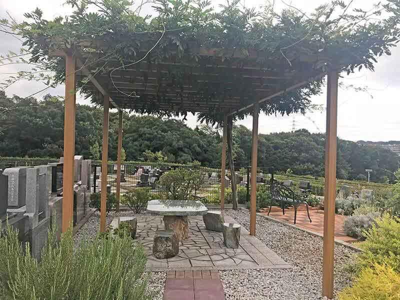 川崎清風霊園内の休憩所