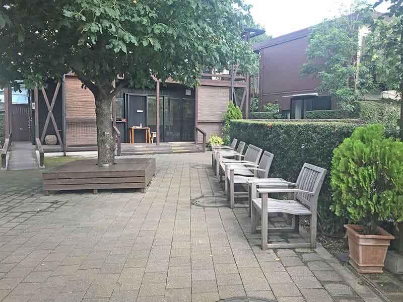練馬ねむの木ガーデン内ベンチ