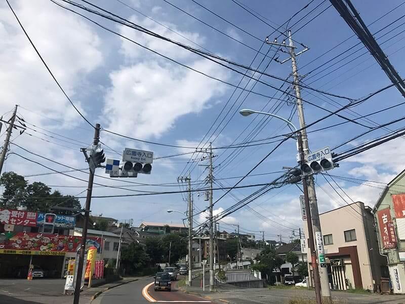 メモリアルガーデン山田お寺前交差点