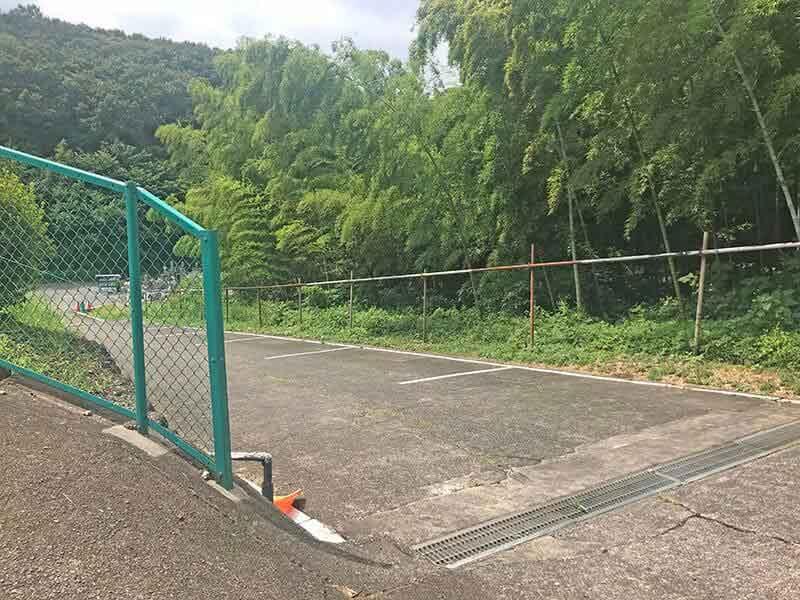 片倉聖地霊苑駐車場