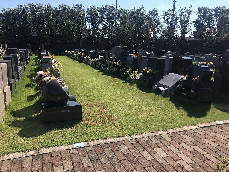 メモリアルパーク川口山王 芝生墓所の風景