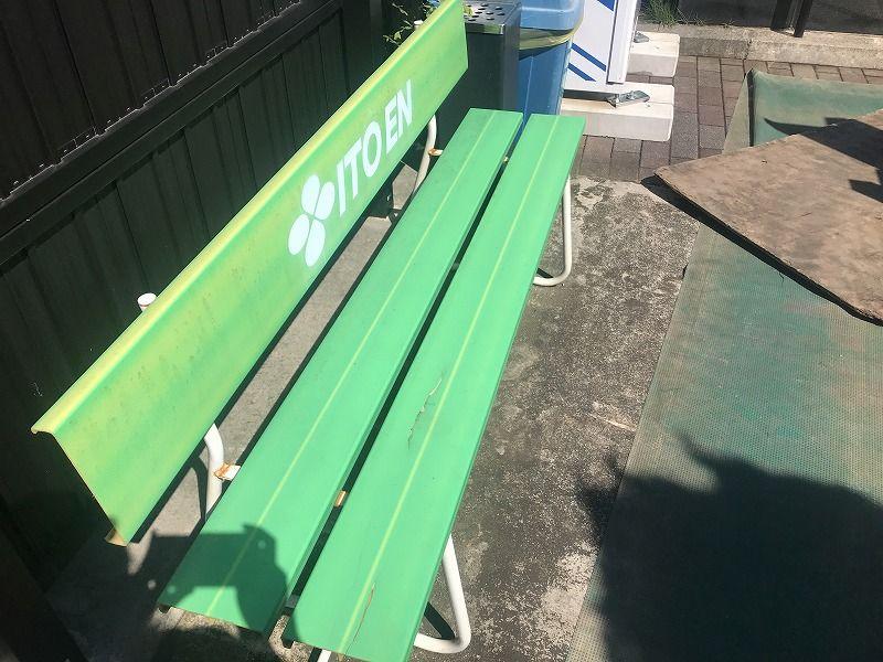 メモリアルパーク川口山王に設置されているベンチ
