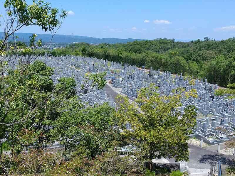 名張市営 東山墓園の全体風景