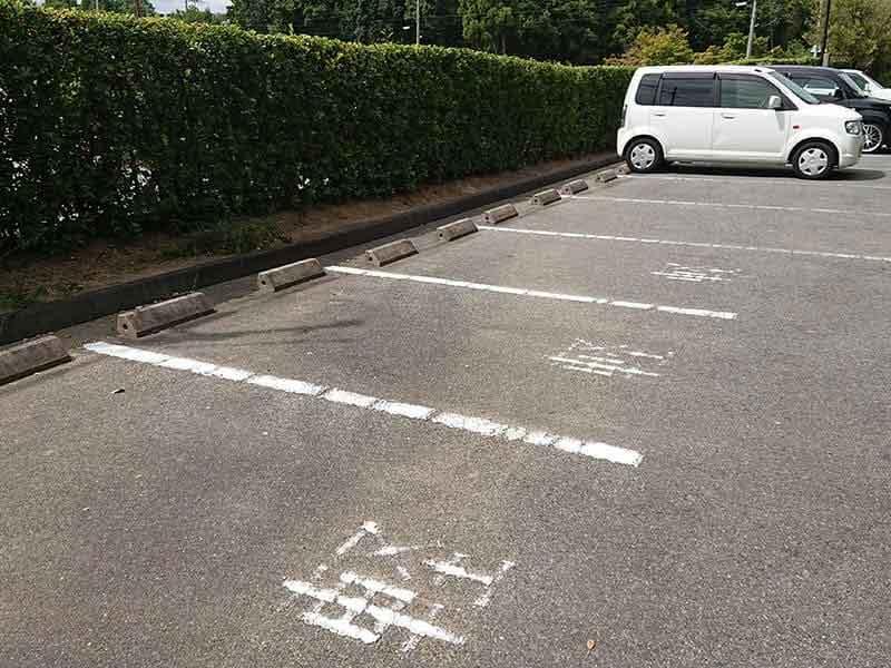 発志院墓地の駐車場