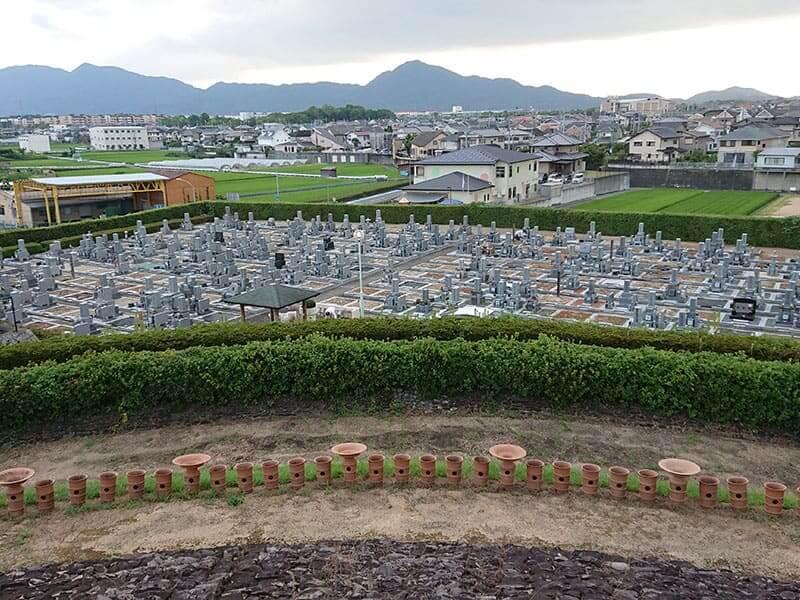 広陵町営 石塚霊園の古墳から見た雰囲気