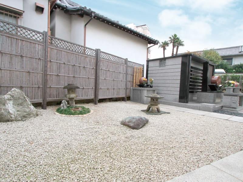 久榮山妙泉寺内の庭園
