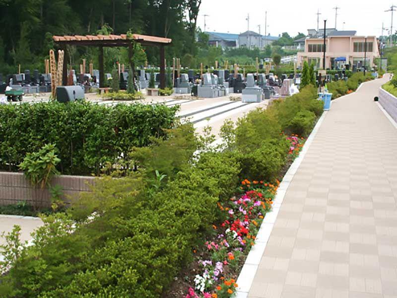 川口フォーシーズンメモリアル ガーデニング庭園のような霊園風景
