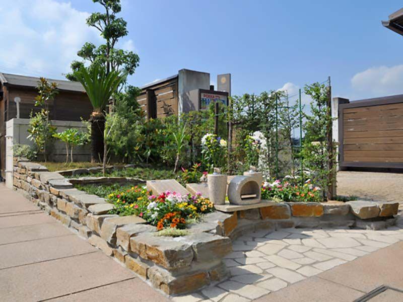 鴻巣霊園 花と木に囲まれた樹木葬エリア