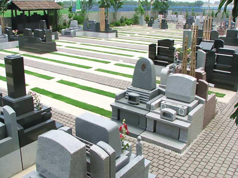 久喜聖地公苑 和式洋式の墓石が並ぶ墓域