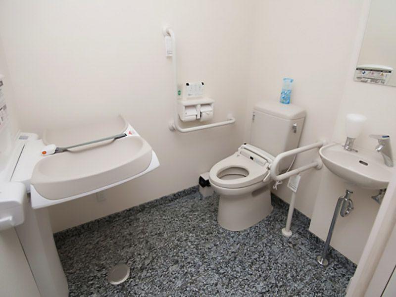 川口元郷聖地 車椅子対応トイレ