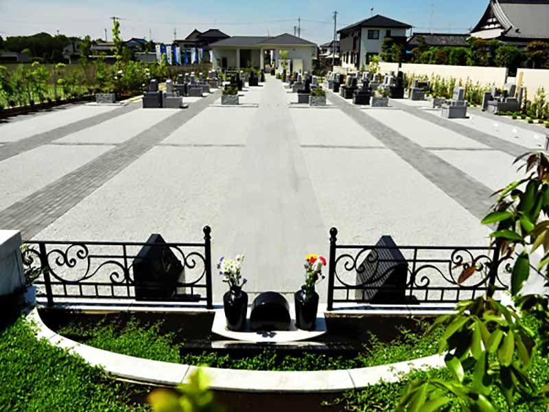 樹木葬型永代供養墓からみた久喜清久霊園の敷地