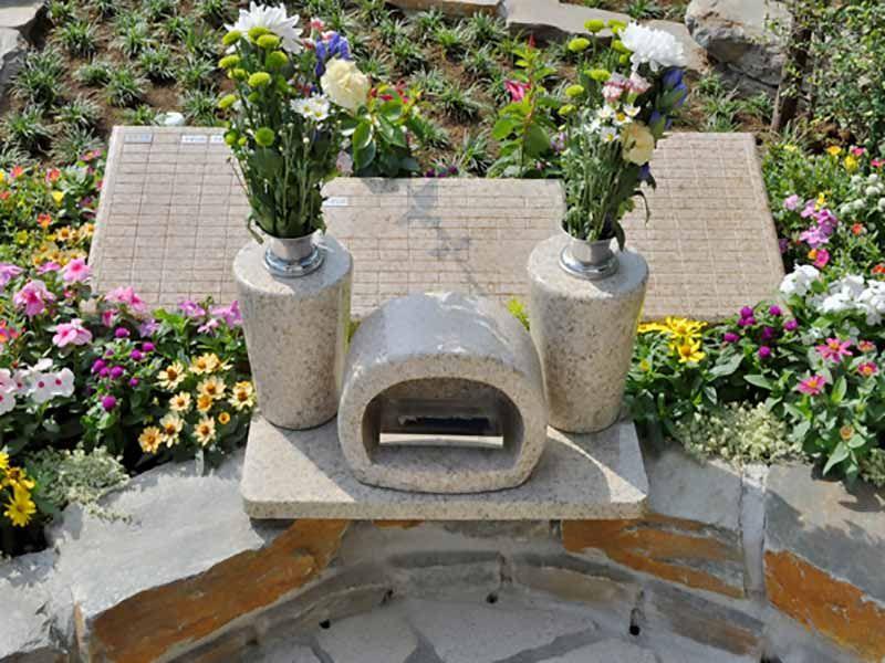 鴻巣霊園 樹木葬エリアの墓石