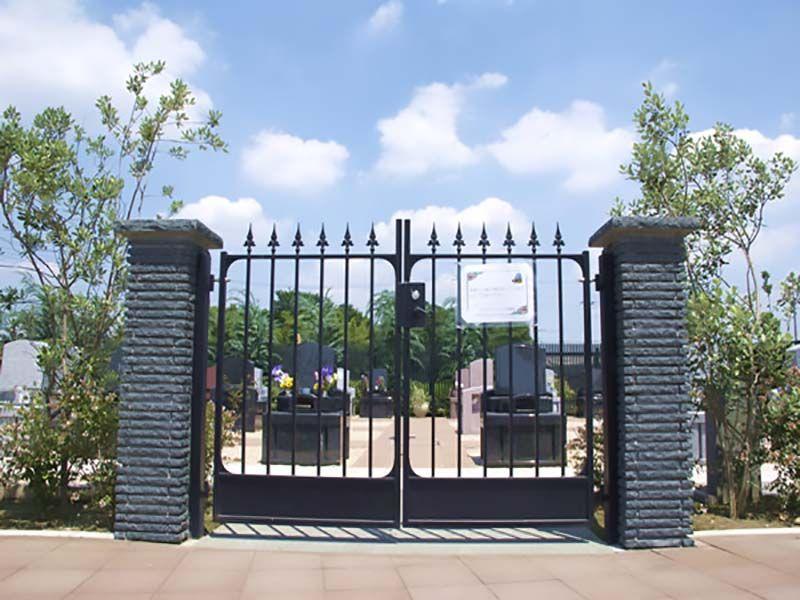 西上尾メモリアルガーデン 霊園入り口