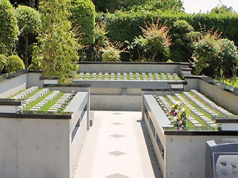 船橋メルヘンパーク 樹木葬墓地「こころの樹」 平坦に整備された参道