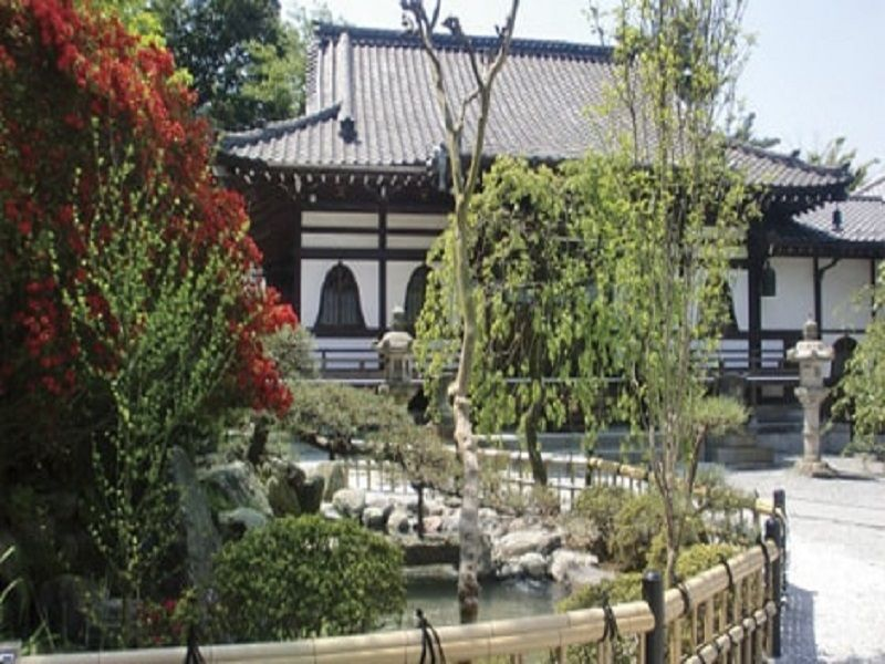 本長寺 本堂前の庭園