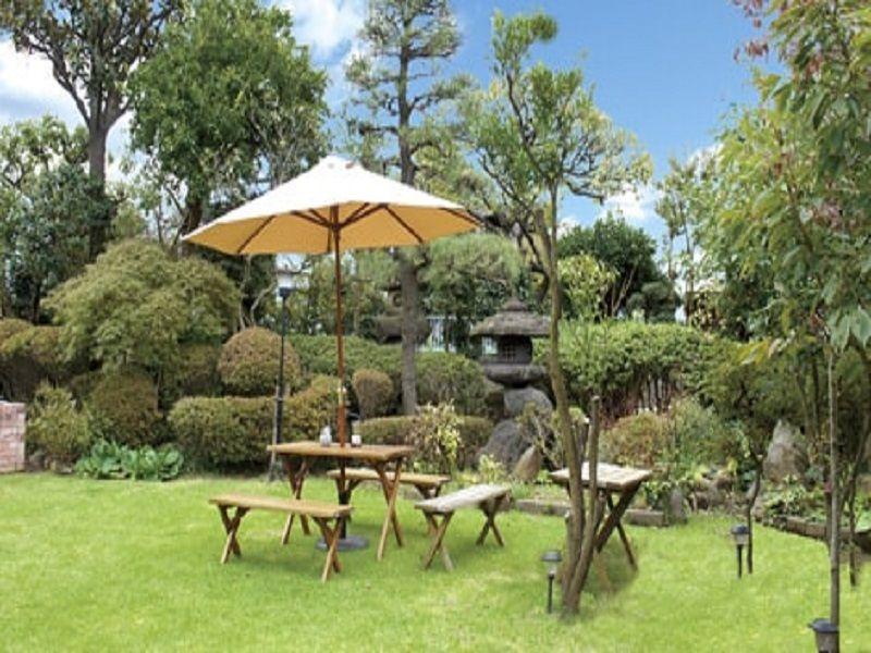 メモリアル庭園桜ヶ丘 緑豊かな休憩所