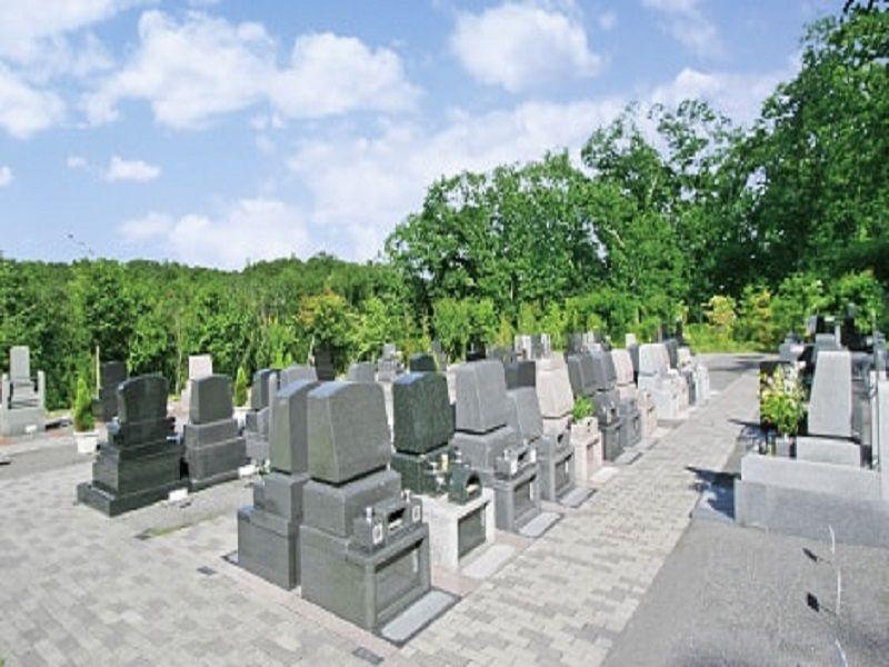 町田こもれびの杜霊苑 舗装されて歩きやすい墓域