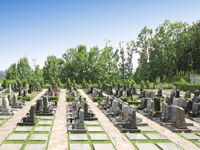新ゆり天望の丘墓苑 バリアフリー設計の参道