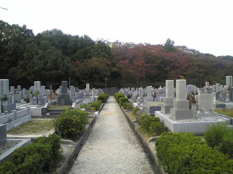 大阪狭山市営 西山霊園 自然豊かな園内