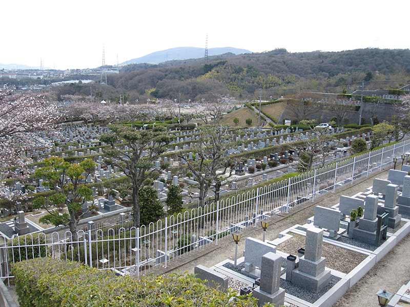 飯盛霊園 広大な敷地の園内