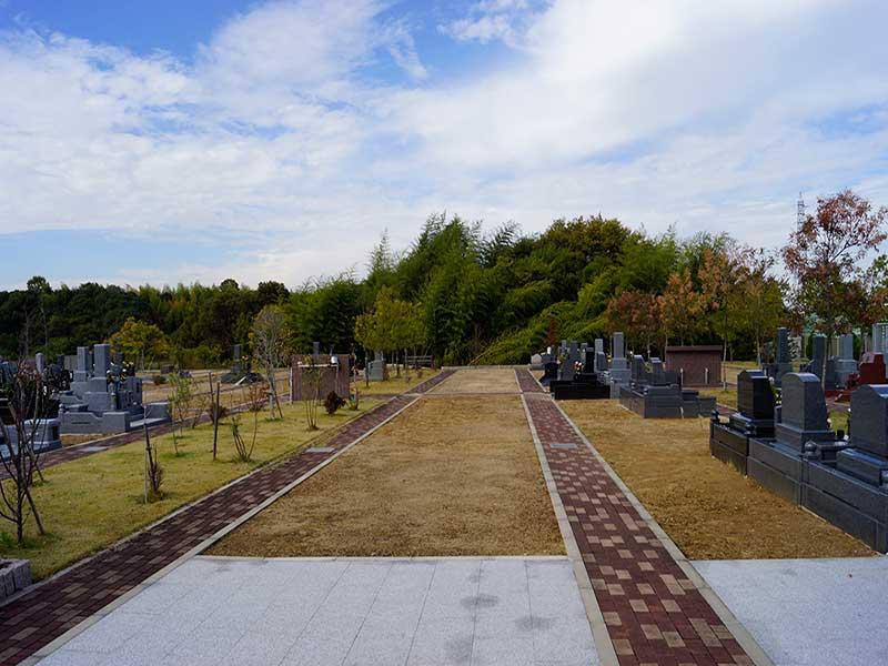 桃の郷霊園 園内風景