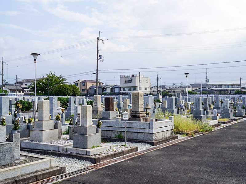 八尾市立 安中墓地 整備された区画