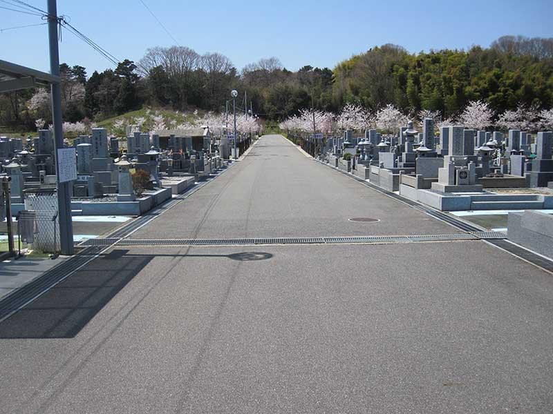 京阪奈墓地公園 開放的な園内