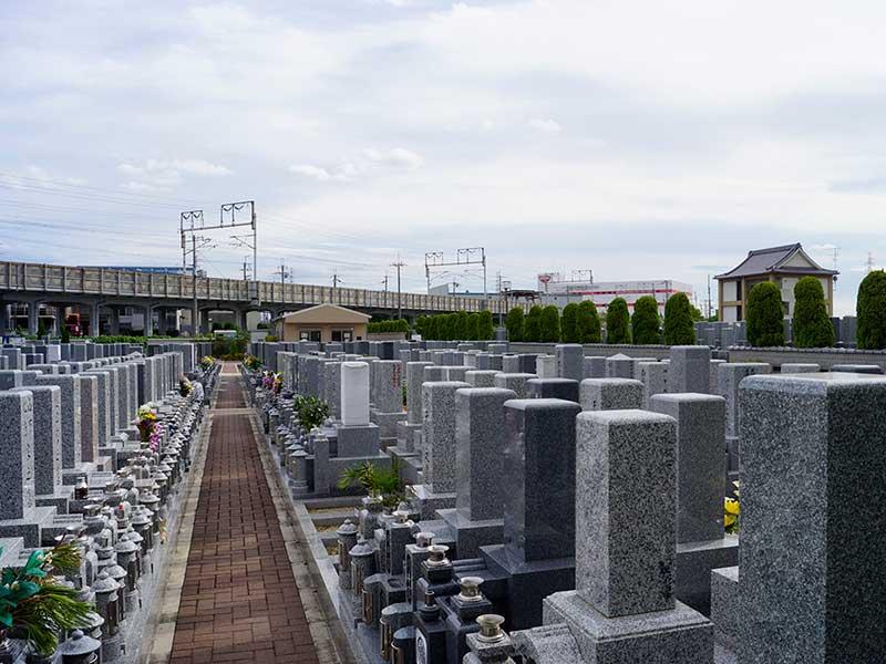 北大阪霊園 和型墓石