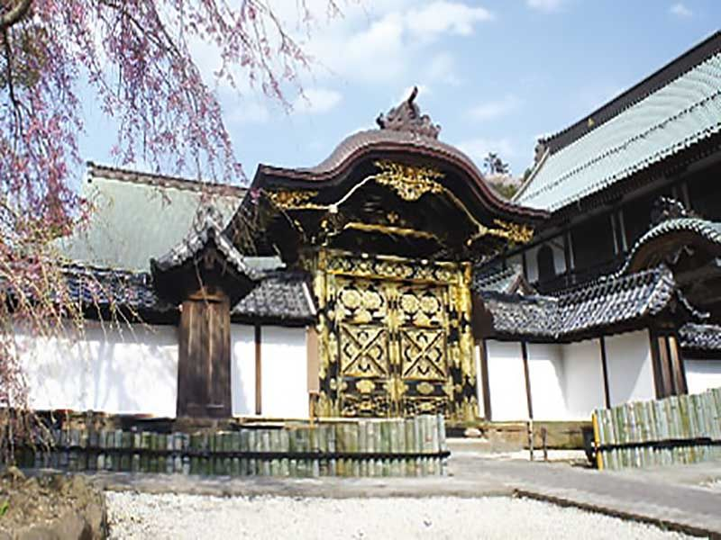 大本山 建長寺 唐門(からもん)(国重要文化財)