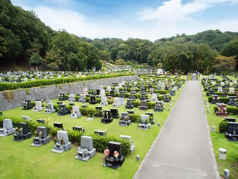 平塚市営 土屋霊園 開放感のある墓域