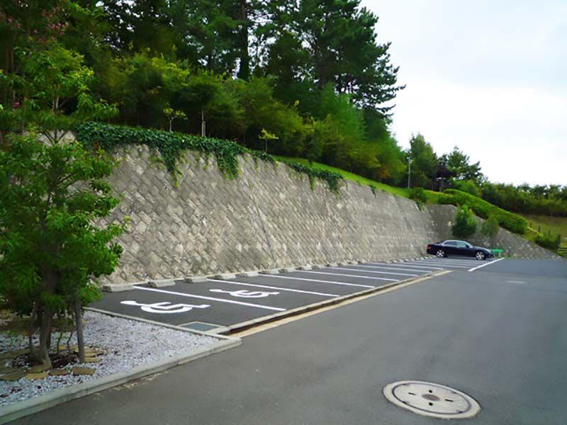 メモリアルサンステージ 駐車場