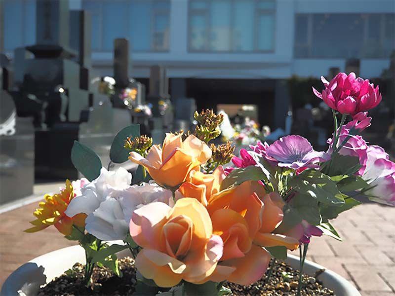 セントソフィアガーデン川崎 墓域に飾られた花