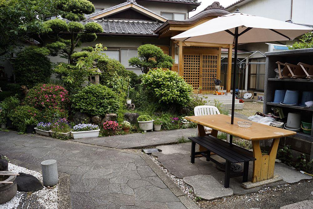 東福寺霊園 緑が鮮やかな庭