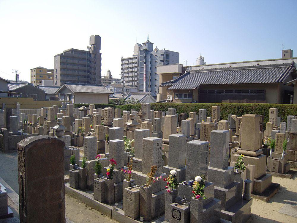 良運院墓地