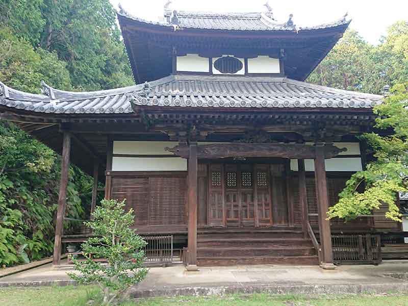 西寿寺霊園本堂