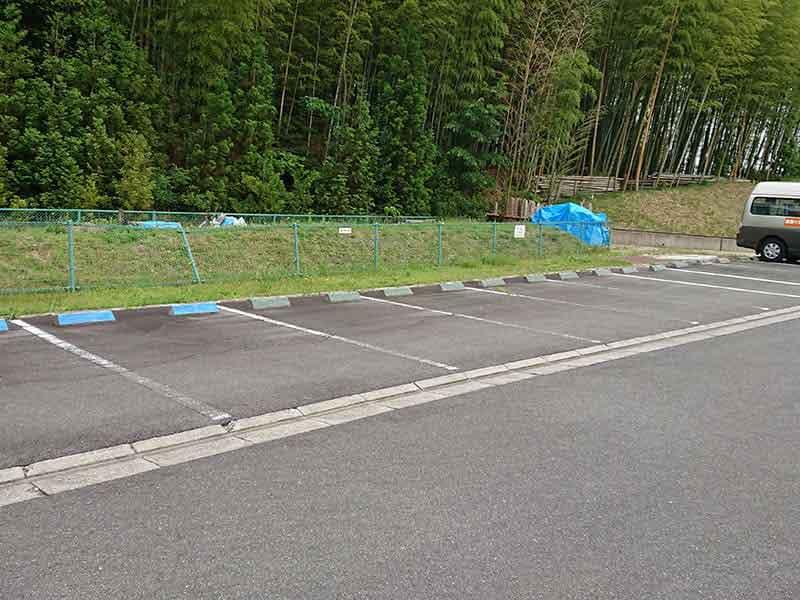 山田川霊園の駐車場
