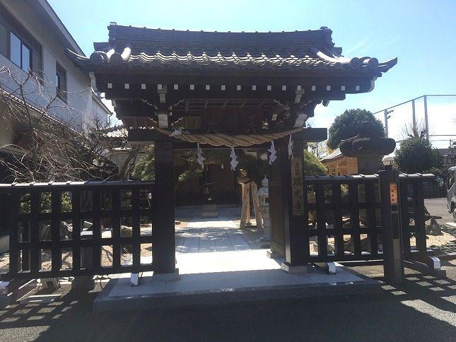 恵光メモリアル新宿浄苑 立派な門構えの入口