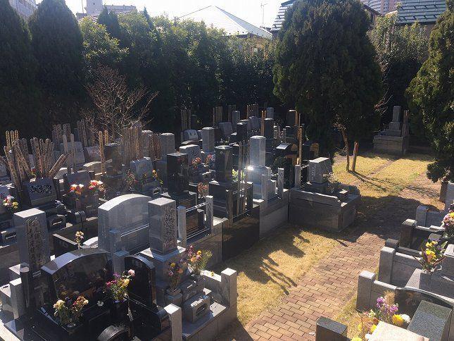 恵光メモリアル新宿浄苑 緑に囲まれた墓域