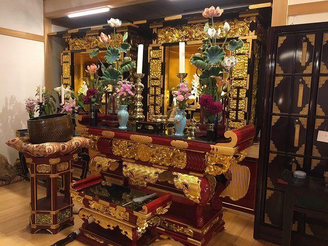 恵光メモリアル新宿浄苑 祭壇に添えられた花