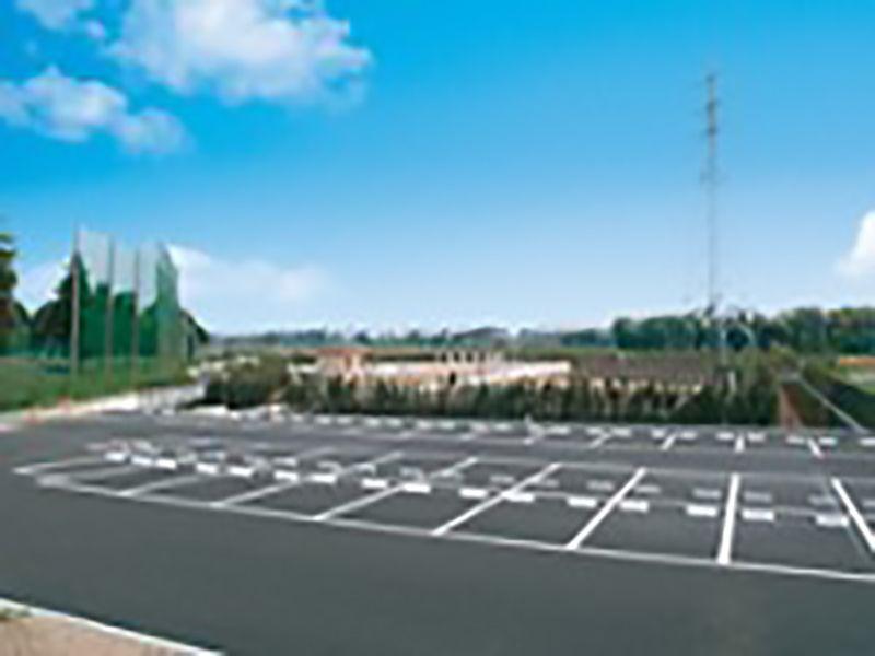 柏メモリアルガーデン 舗装された駐車場