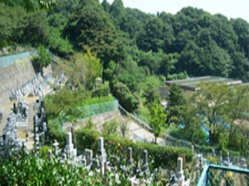 町田聖地霊苑 自然に囲まれたのどかな霊園風景