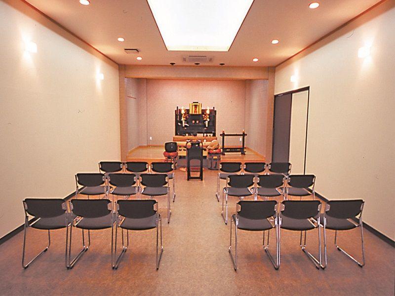 浦和東霊園 法要施設室内